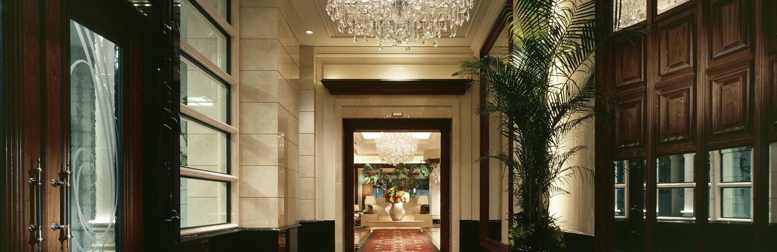 ホテル ラスイート神戸ハーバーランド エントランス